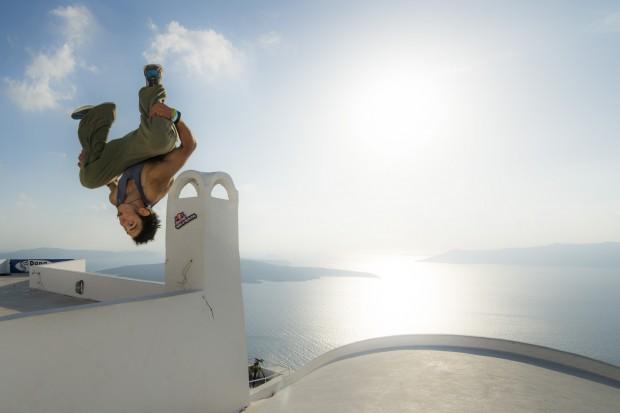 dk santorini 2014 winner first place 620x413 Dimitris 'DK' Kyrsanidis Wins Art of Motion Santorini 2014
