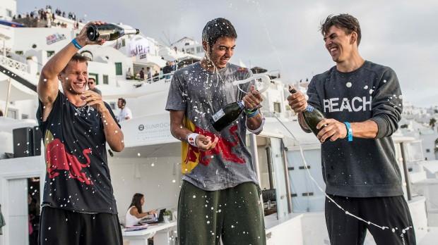 DK wins art of motion 2014 santorini
